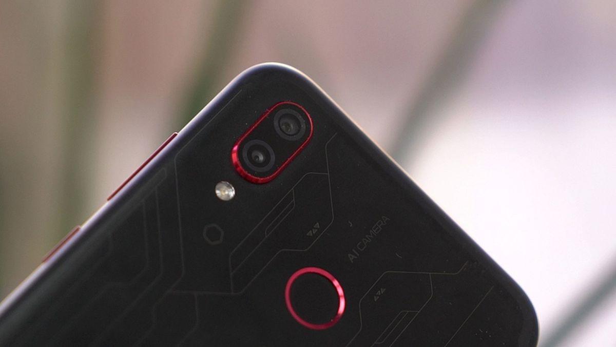 Тест и обзор Honor Play:смартфон с претензией на звание «игрового»