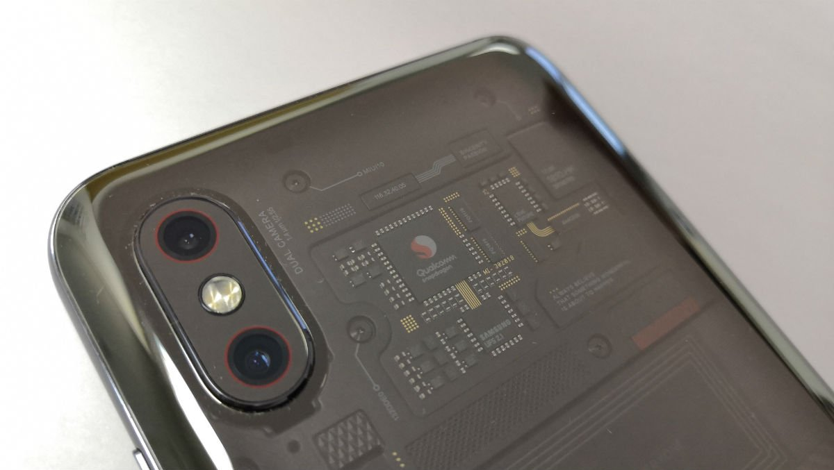 Обзор Xiaomi Mi 8 Pro: почти прозрачный флагман