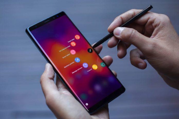 Samsung Galaxy Note 10 станет самым большим смартфоном в истории компании