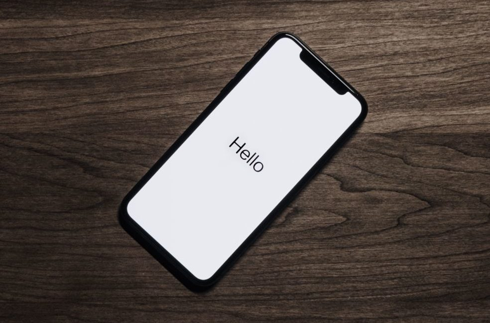 Зачем смартфонам вырез «челка»?