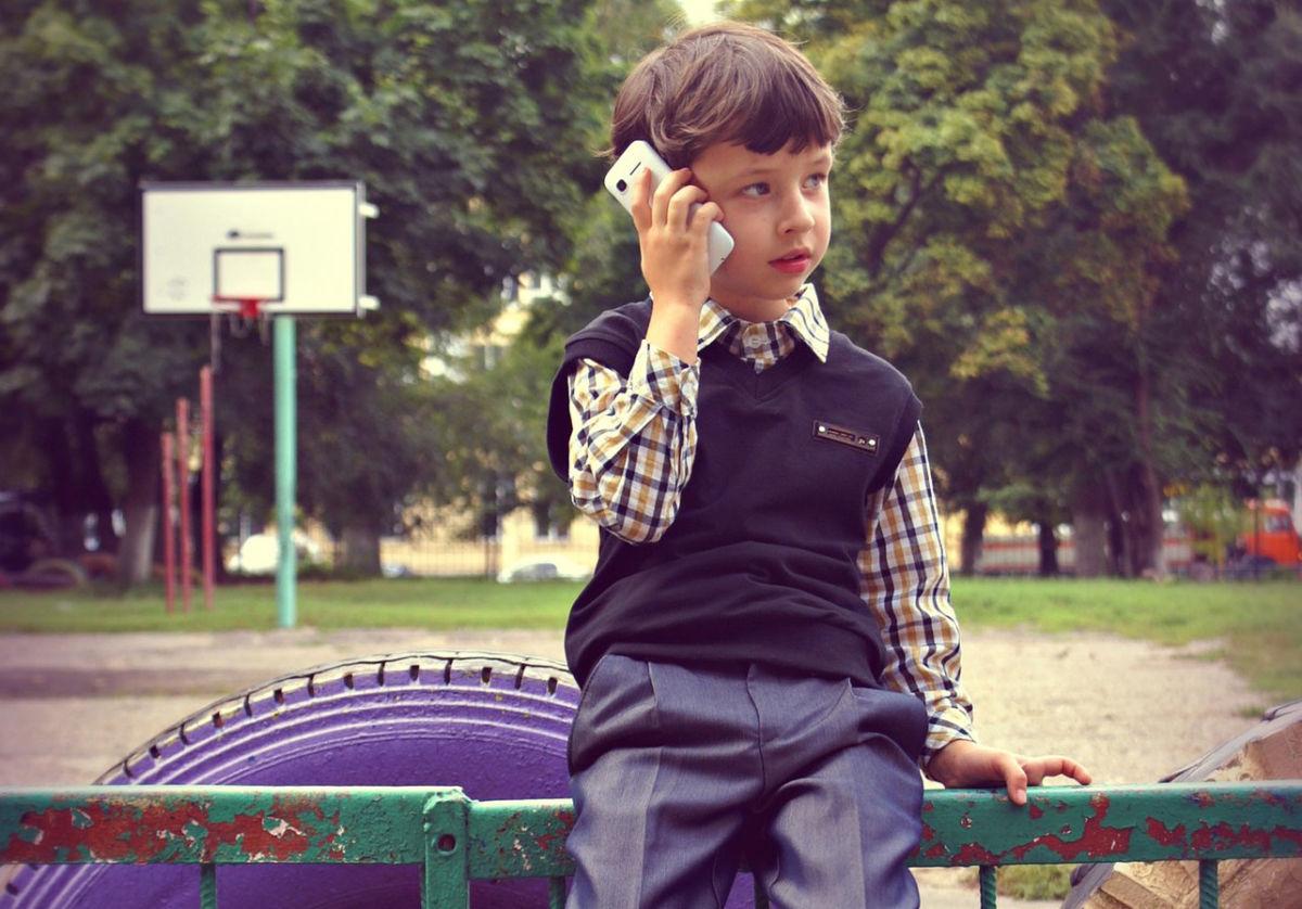 Выбираем телефон для ребенка 7-8 лет в школу: смартфоны и не только...