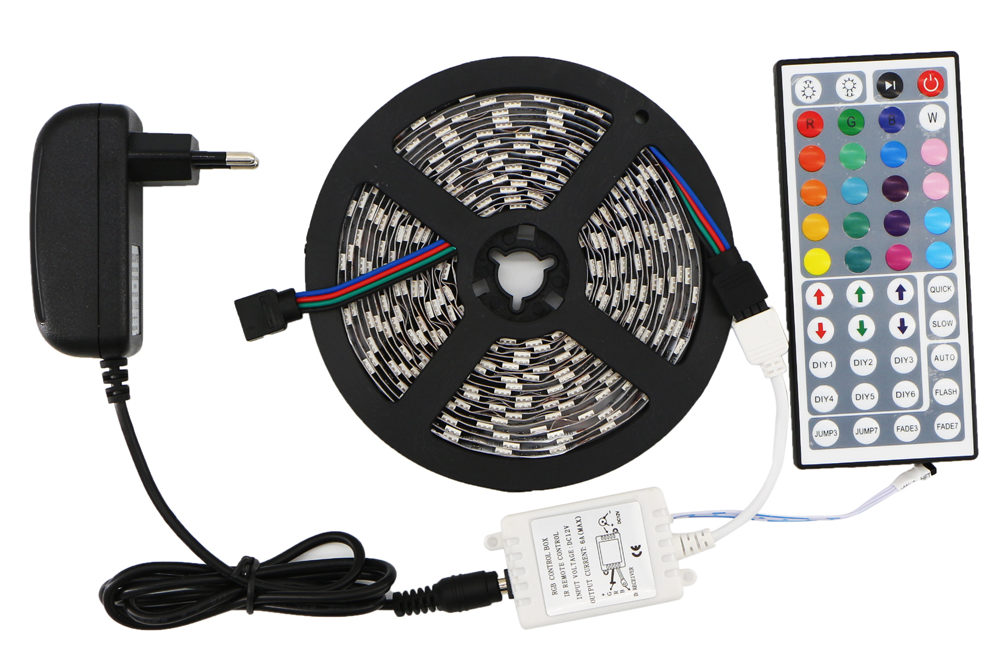 Какую светодиодную ленту выбрать для подсветки или декора?