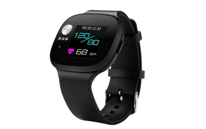 Умные часы с тонометром Asus VivoWatch BP оценены в 12 990 руб.