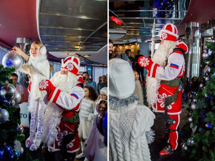 Дед Мороз обзавелся российским военным экзоскелетом