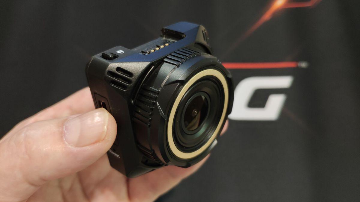 Тест и обзор видеорегистратора NAVITEL R600 Quad HD: суперчеткий и простой в работе