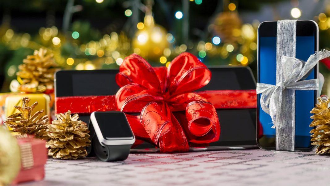 На что обратить внимание, покупая гаджет в подарок?