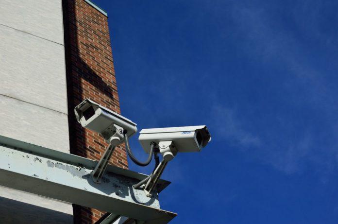 За россиянами будут следить умные камеры видеонаблюдения