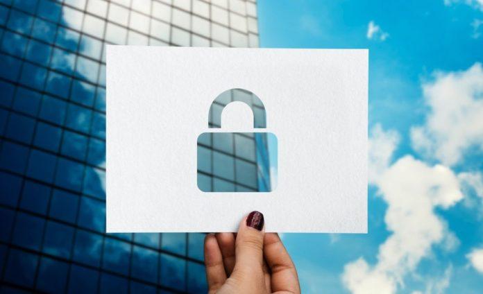 Перехват SMS и взлом Bluetooth: чего бояться в 2019 году?