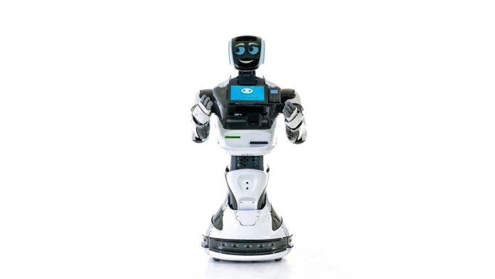 Война роботов началась: Tesla на автопилоте сбила Promobot