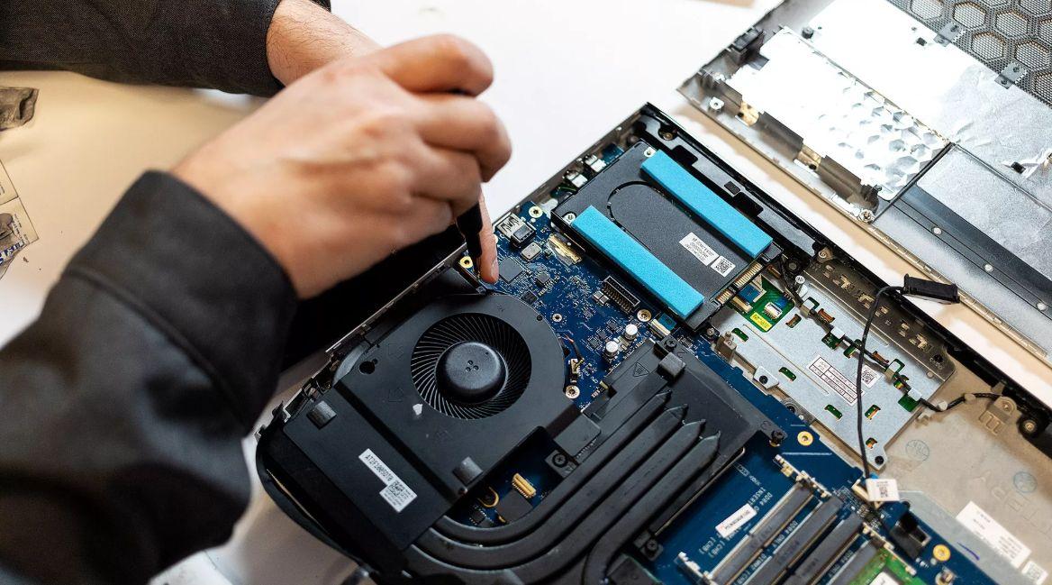 Dell выпустила игровой ноут с возможностью апргейда процессора и видеокарты