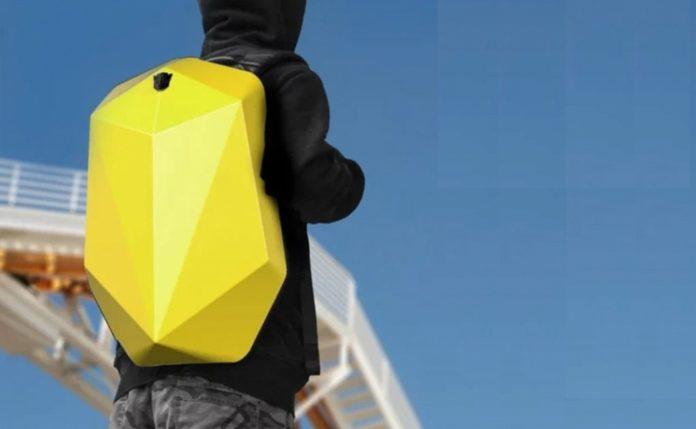 Xiaomi представила рюкзак «трансформер»