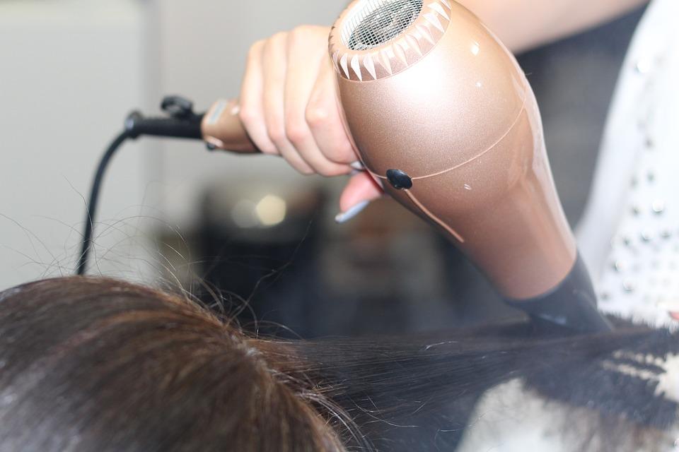 Как выбрать фен для волос: рейтинг лучших 2019