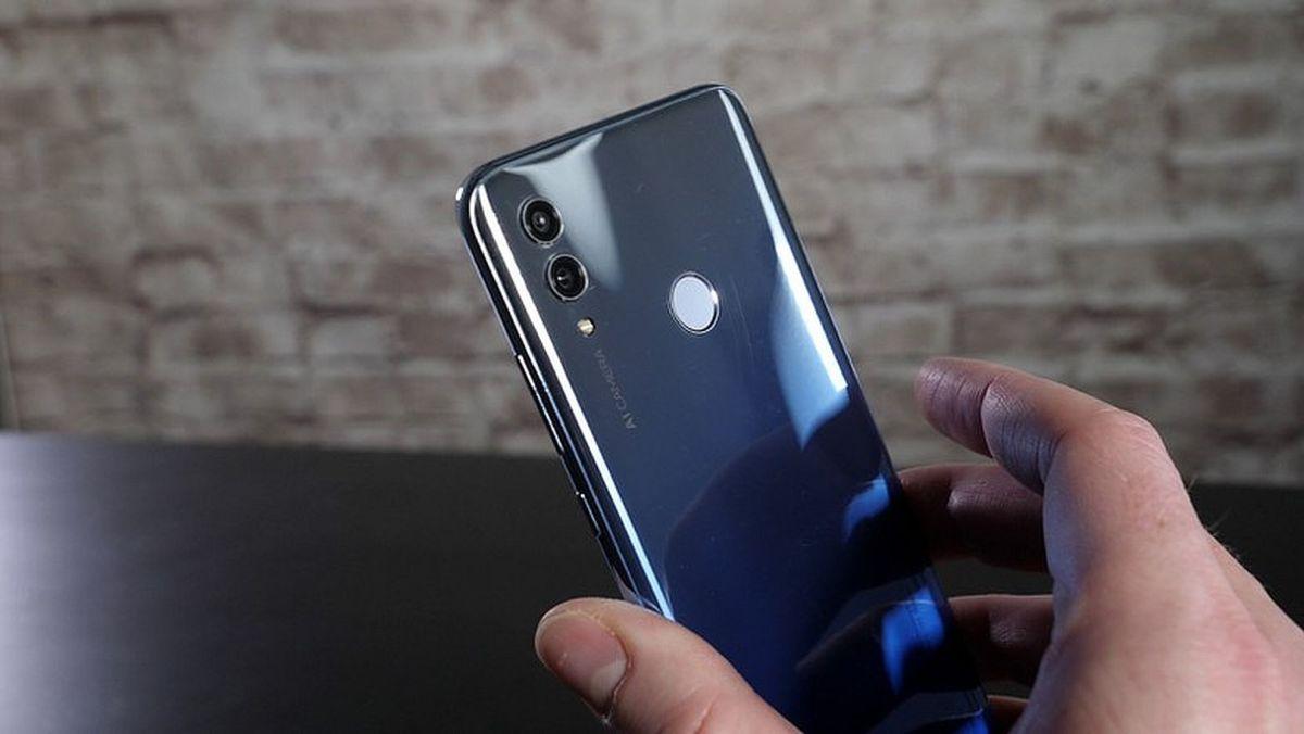 Тест и обзор Honor 10 Lite: смартфон, который удивляет