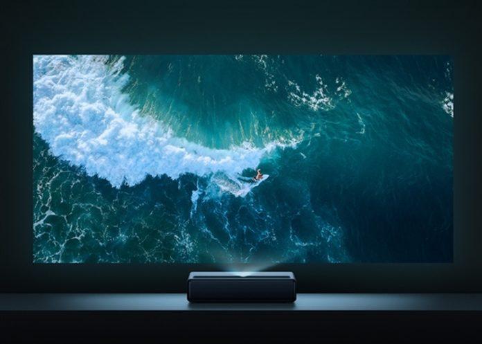 Xiaomi представила лазерный проектор — мечту киномана