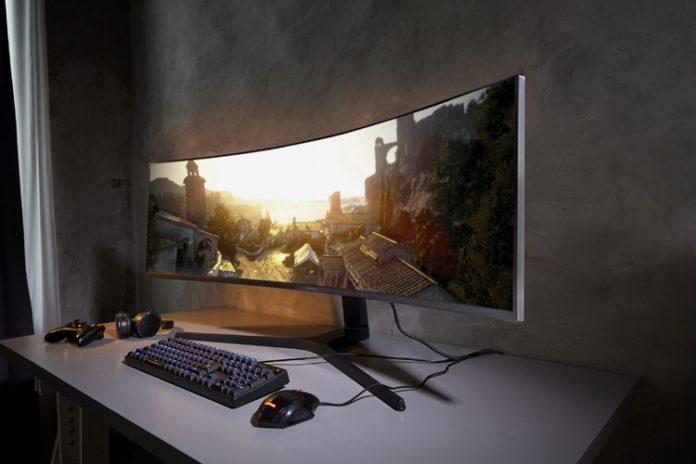 Samsung представила первый в мире Dual QHD игровой монитор с соотношением 32:9