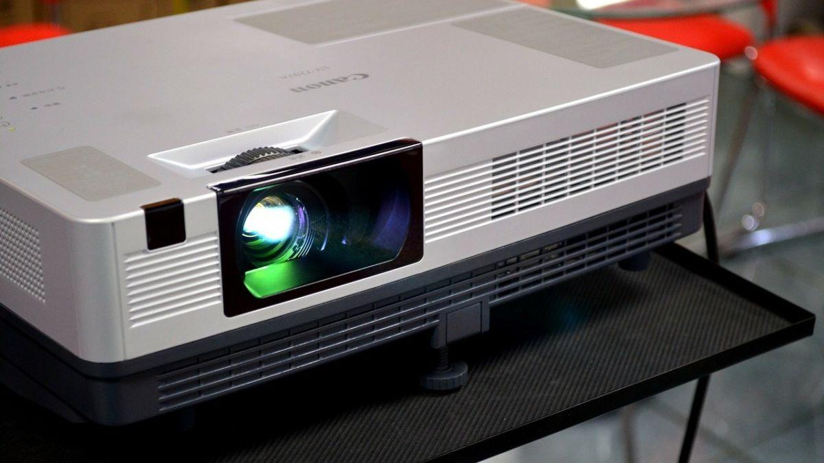 Как работает проектор? Простое объяснение