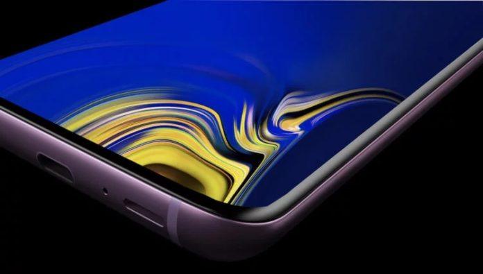 Названы российские цены новых флагманских смартфонов Samsung Galaxy S10