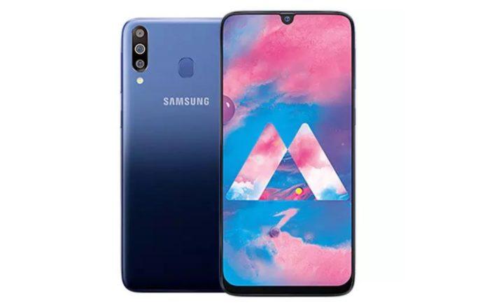 Недорогой смартфон Samsung Galaxy M30 получил большой аккумулятор и тройную камеру