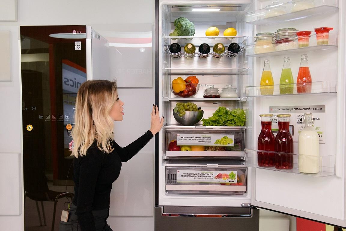 Как делают OLED-телевизоры и холодильники LG: роботы собирают, люди командуют