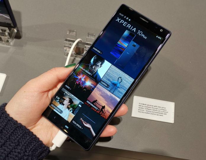 Sony привезла на MWC «длинные» смартфоны Xperia 10 и 10 Plus