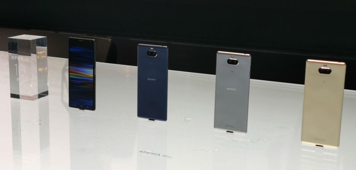 "Sony привезла на MWC ""длинные"" смартфоны Xperia 10 и 10 Plus"
