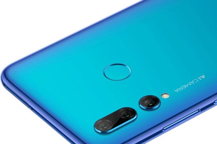 Смартфон Huawei P Smart+ 2019 получил тройную камеру