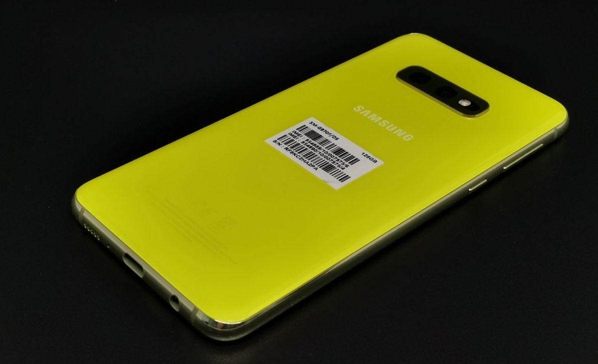 Тест смартфона Samsung Galaxy S10e: маленький флагман