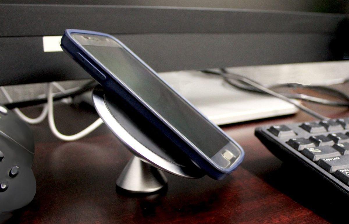 Как работает беспроводная зарядка для телефона: это не магия