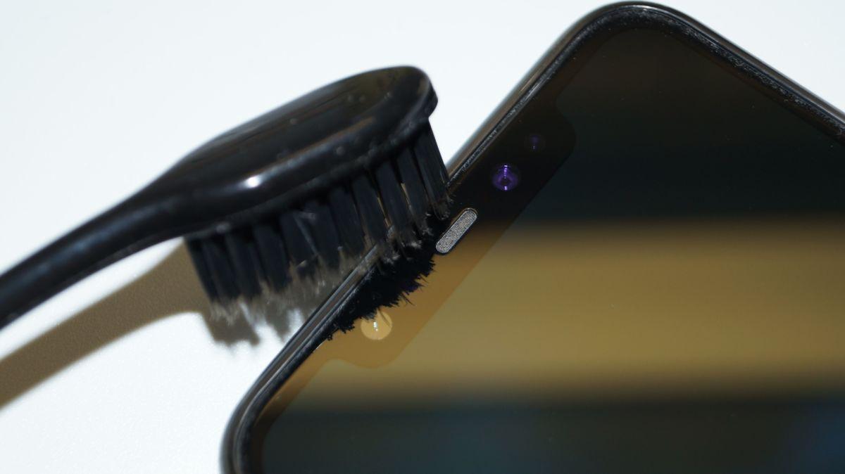 Как почистить динамик телефона: практические советы
