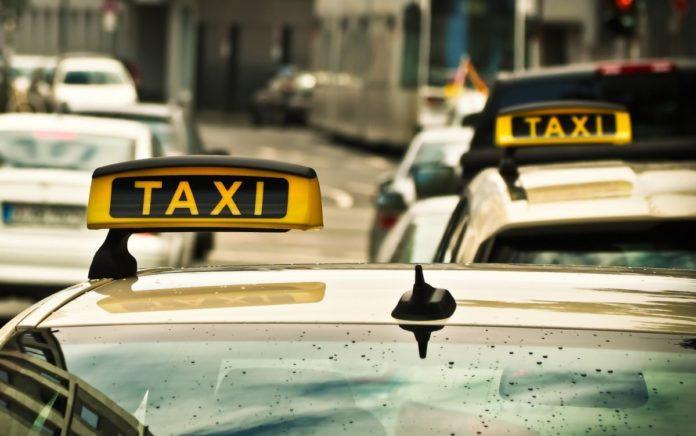 Сравниваем цены на такси: таксипортация, говорите?