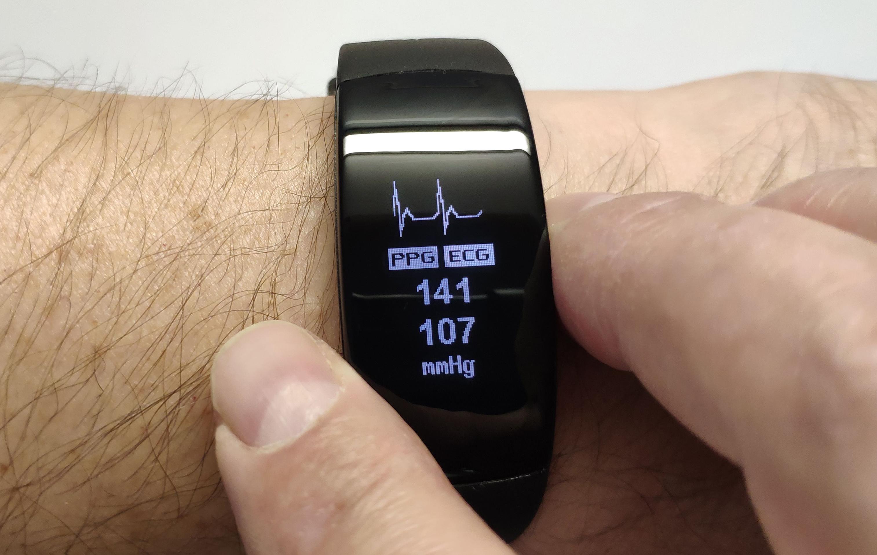 Тест умного браслета Actenzo: кардио-диагностика и мониторинг стресса