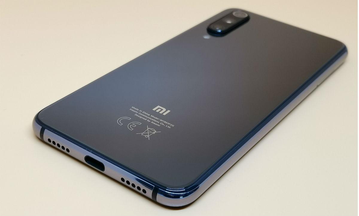 Обзор смартфона Xiaomi Mi 9 SE: большие флагманы теперь не нужны