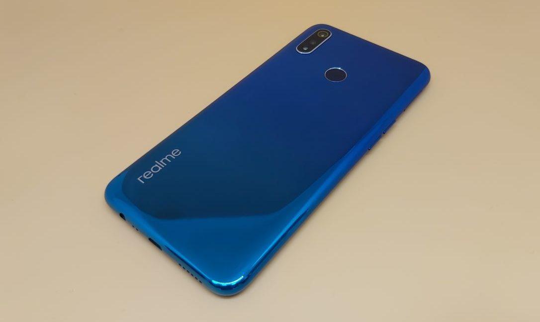 Обзор смартфона realme 3: кто на новенького?
