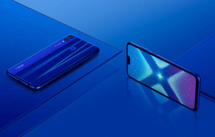 Любимая россиянами китайская марка смартфонов победила iPhone в рейтинге надежности