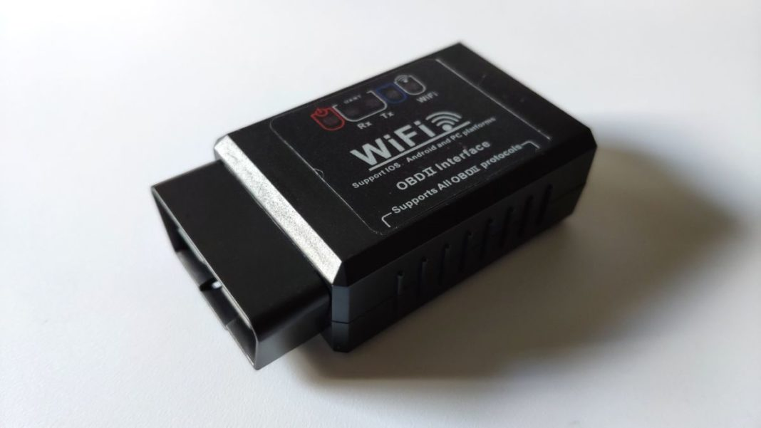 Тест диагностического модуля OBD2: версия 1.5 с подключением через Wi-Fi