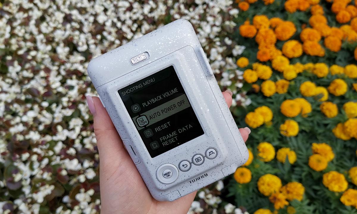 Обзор Instax Mini LiPlay: печатает картинки со звуком