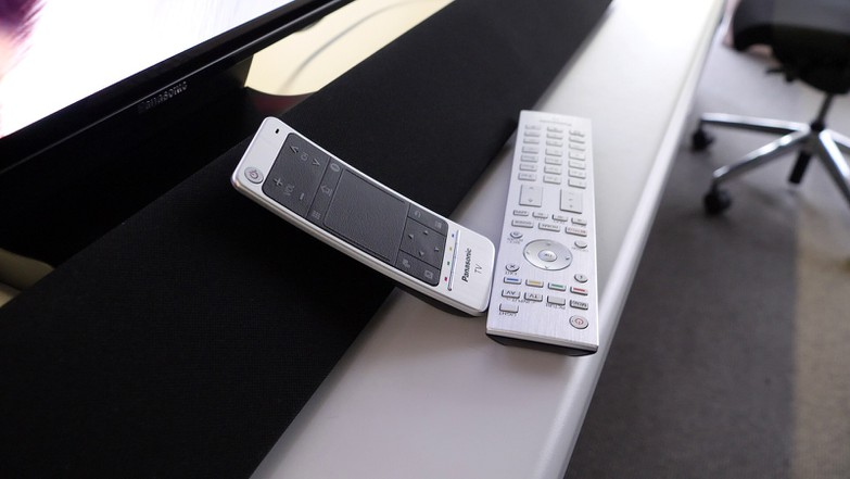 Тест и обзор телевизора Panasonic TX-55FZW954: дорого и сердито