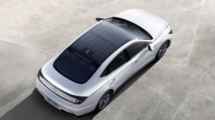 Hyundai выпустил автомобиль с солнечными батареями на крыше
