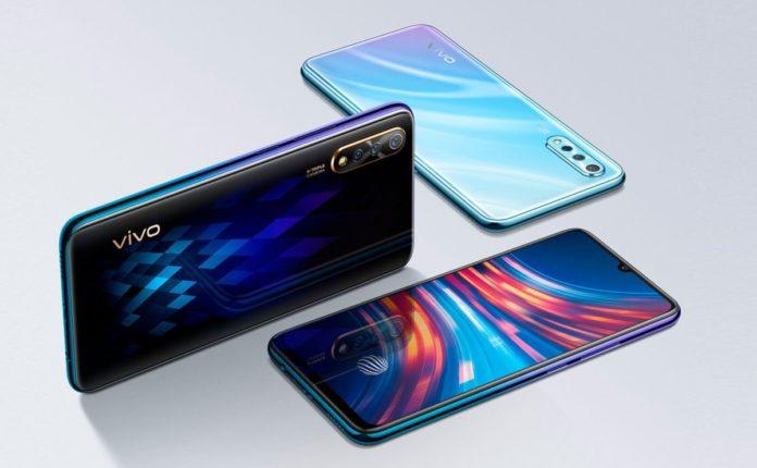 Китайский бренд предлагает россиянам два смартфона по цене одного