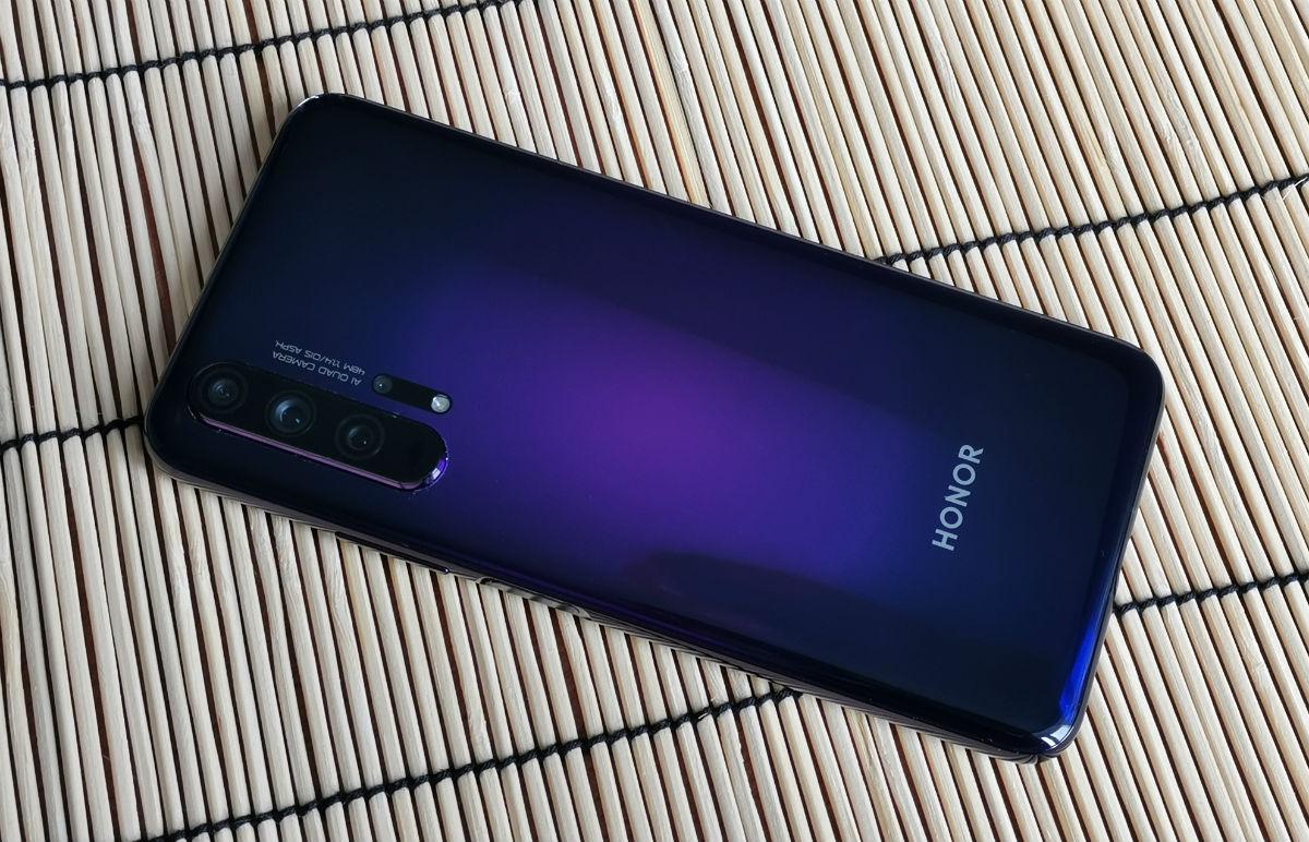Обзор смартфона Honor 20 Pro: санкции ему нипочем!