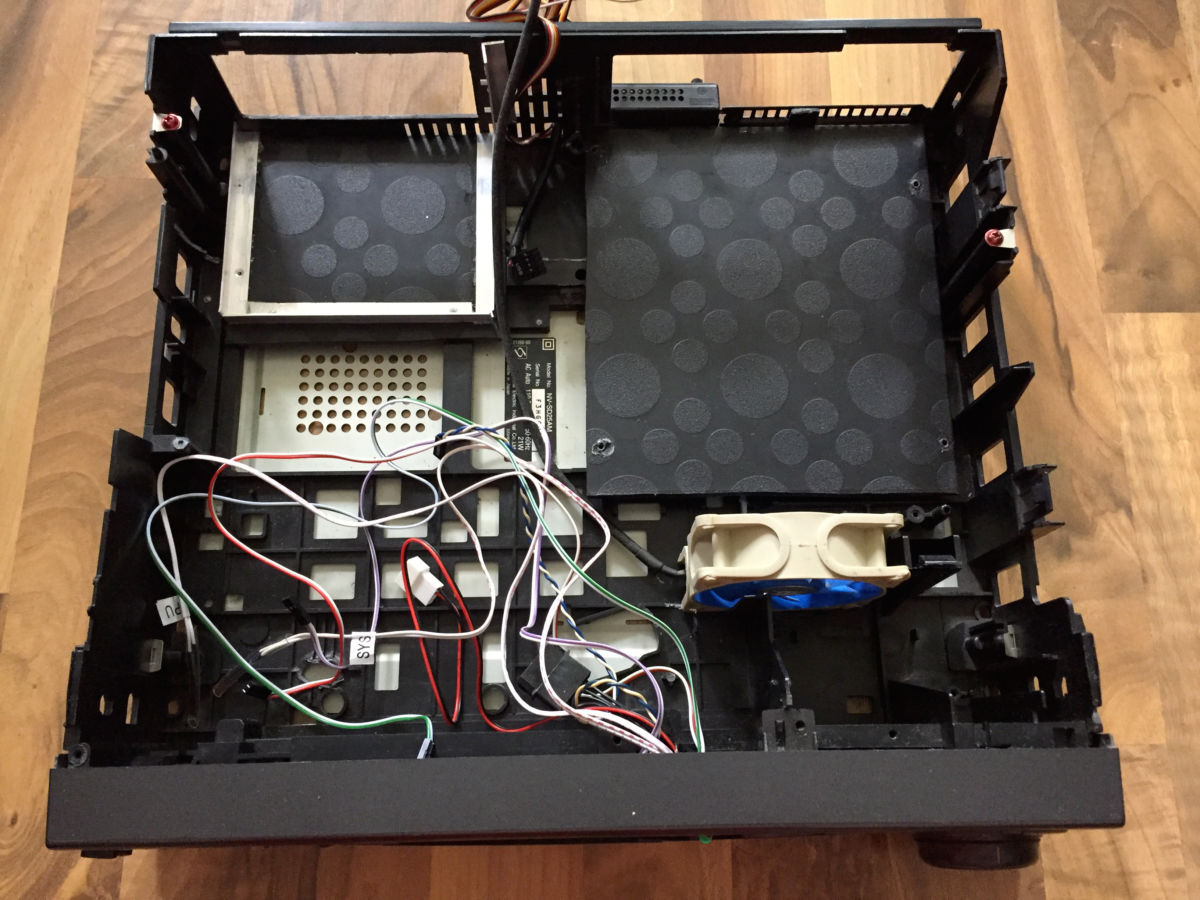 Опыт читателя: как я собрал ПК в корпусе старого видеомагнитофона