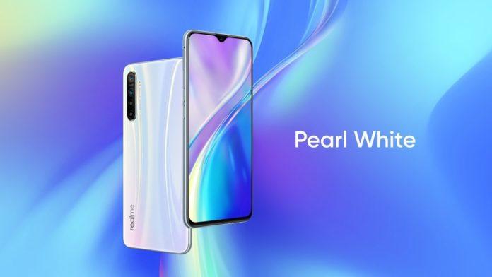 Realme XT — смартфон с крутыми характеристиками и всеми современными «фишками» дешевле 15 000 руб.!