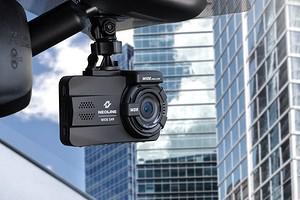 Третий глаз: как выбрать видеорегистратор для автомобиля?