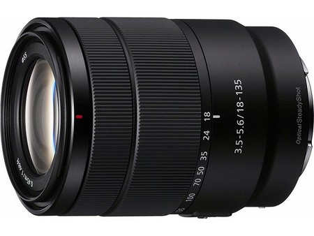 Sony E 18-135 mm F3,5-5,6 OSS (SEL18135)