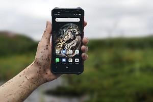 Китайцы представили сверхзащищенный смартфон-долгожитель всего за 6 500 руб.