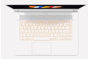 Acer привезла в Россию ну очень крутой ноутбук по цене почти как два MacBook Pro