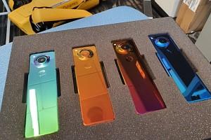Создатель Android показал новый смартфон, поразивший чрезвычайно необычным форм-фактором