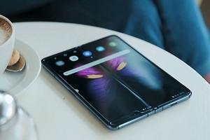 Тест смартфона Galaxy Fold 5G:так выглядит будущее мобильных телефонов?