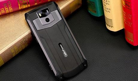 Хватит надолго: 7 смартфонов с мощным аккумулятором