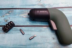 Обзор аккумуляторной отвертки Bosch IXO 6: сверлит, режет и... откупоривает